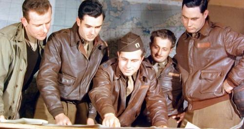 pilotos con sus A-2